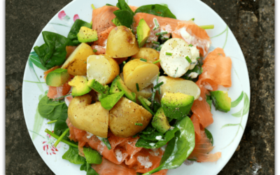Smoked salmon salad with refreshing chive dressing