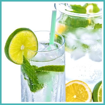 5 Healthy Reasons To Boost Your Day With Lemon Water